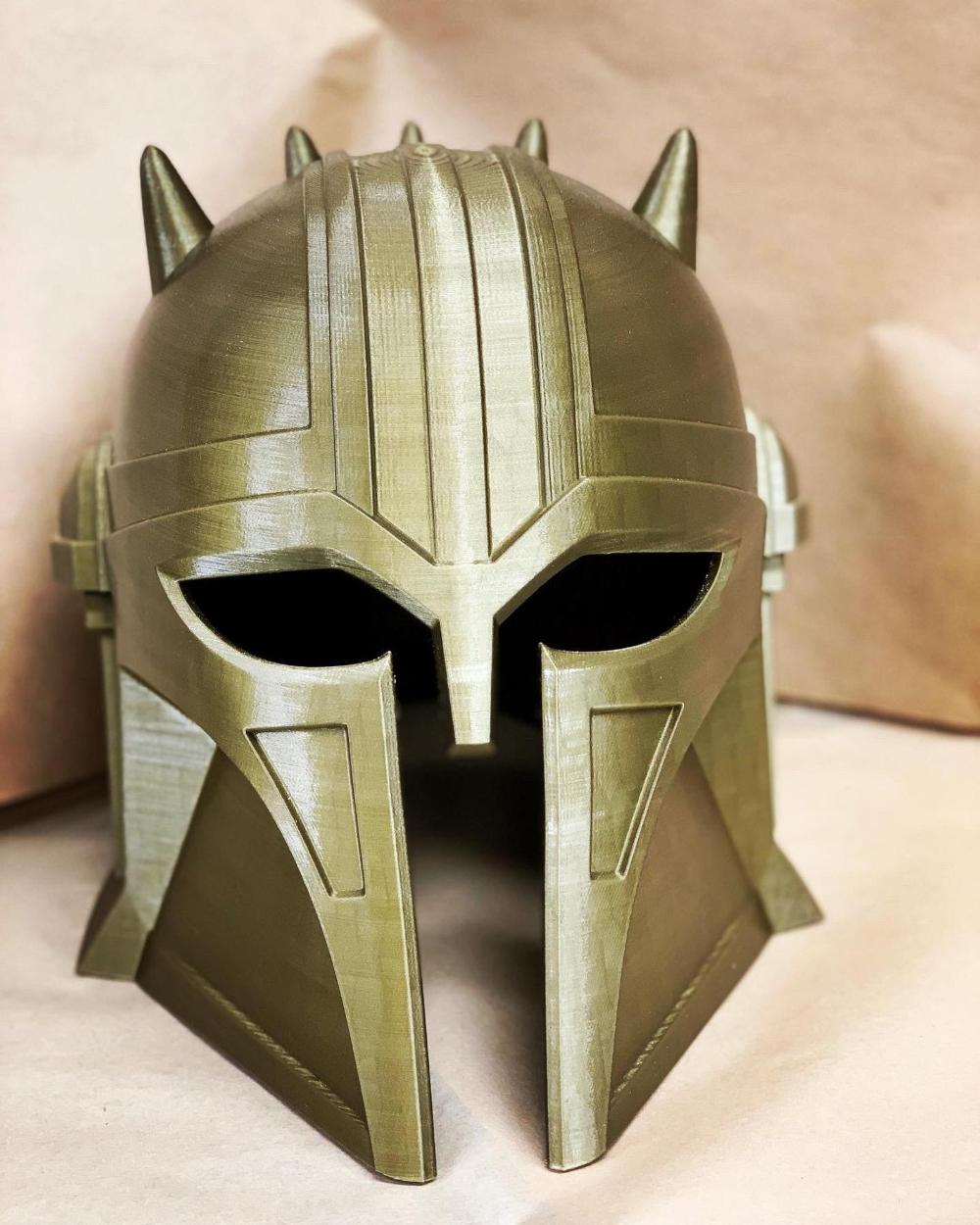Шлем, напечатанный на 3D принтере для костюма Colsplay